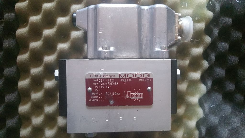 Moog-Servoventil-D631-752C-P040JXFMENBR